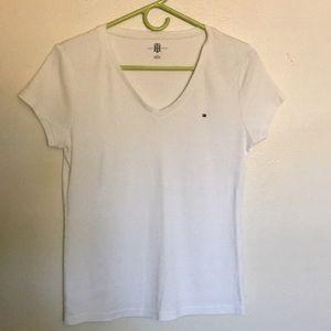 Tommy Hilfiger Vneck T-shirt Size L